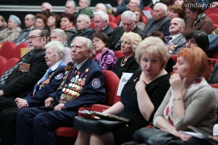 В поселении Рязановское юбилейной медалью наградили 20 ветеранов