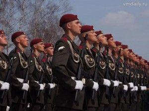 Рота почетного караула на торжественном открытии памятников в Кузовлеве.