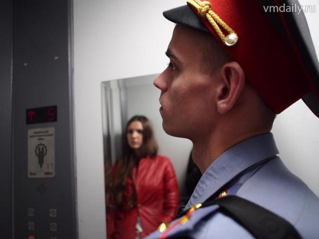 В Новой Москве сотрудники полиции задержали подозреваемого в хранении запрещенных веществ