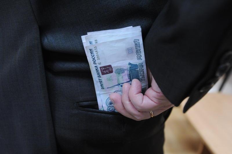 За четыре года работодатель задолжал сотруднику почти 400 тысяч рублей заработной платы