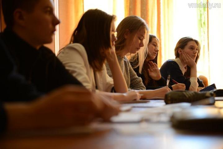 Начинающие парламентарии научат школьников делать выбор
