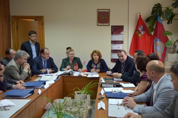Вновь избранные депутаты провели первые заседания Советов