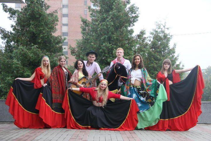 Борщом и блинами угощали гостей на фестивале «Народы России»