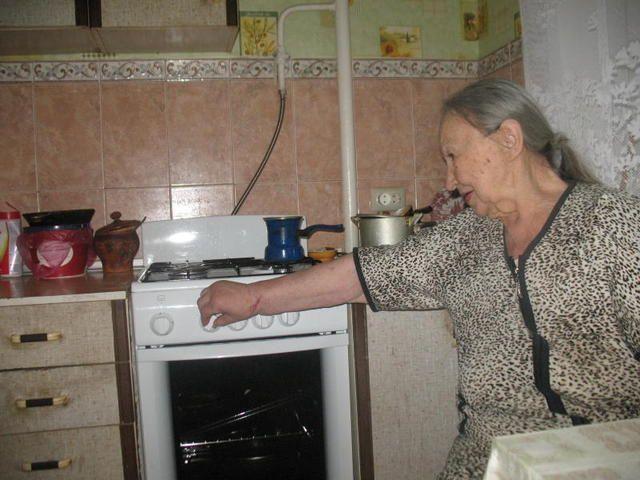 Ветеранам заменили старые газовые плиты