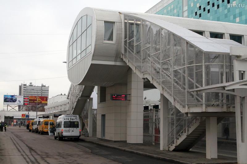 Территорию у станции метро «Планерная» благоустроят