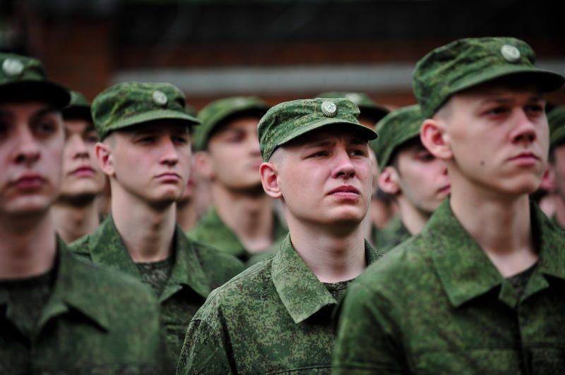 За соблюдением военными закона следит прокуратура