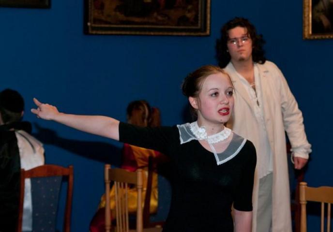 Детский музыкальный театр показал троичанам пантомиму о любви без слов