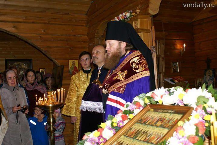 Первые Рождественские чтения прошли в начальной школе Троицка