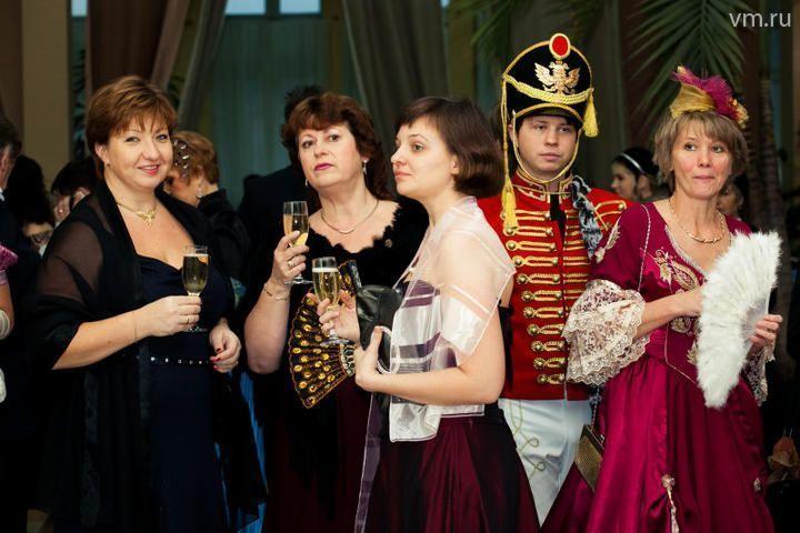 Вальс и исторический костюм: Троицк дает бал