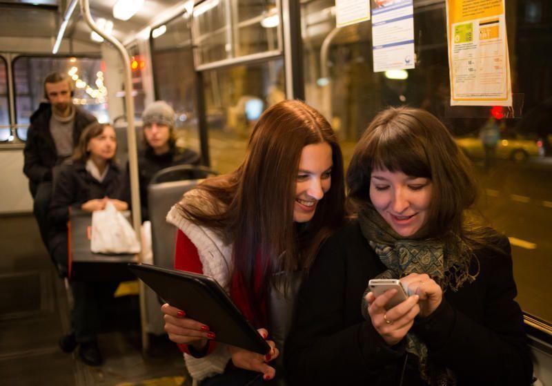 Активным гражданином можно быть и без смартфона