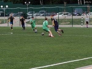 Соревнования по футболупроходили в рамках городской спартакиады «Спортдля всех».