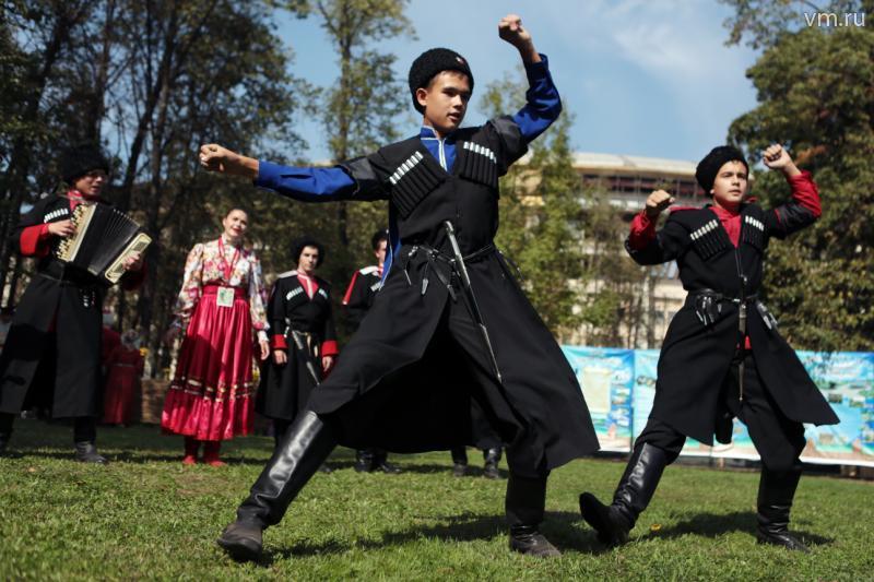 Ансамбль «Чародеи» из поселения Вороновское взял «серебро» международного конкурса «Dance continent»