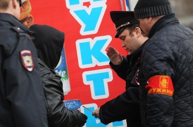 Народные дружинники выходят патрулировать улицы: общественный порядок под надежным контролем