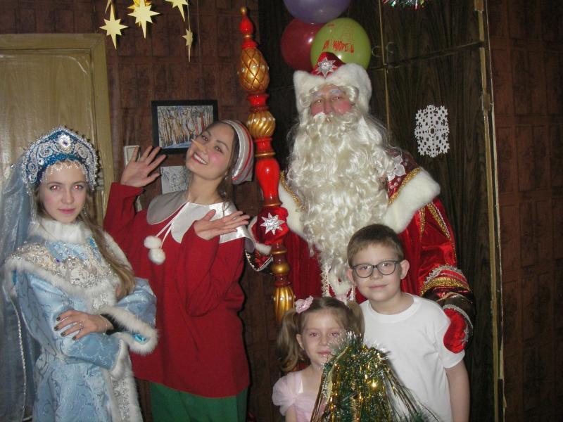 Молодой Дед Мороз зайдет в каждый дом