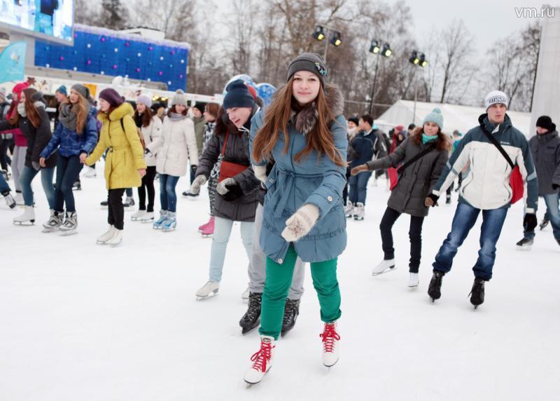 Первые зимние выходные: жителей новых округов ждут на творческих вечерах и спортивных турнирах