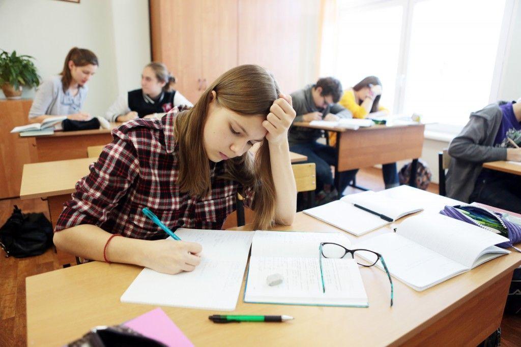 Школьники смогут пересдать Единый государственный экзамен только по обязательным предметам.