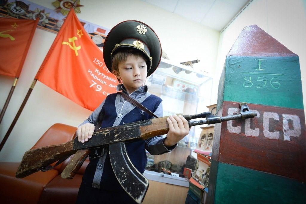 В поселении Краснопахорское дети войны встретились со школьниками на уроках памяти