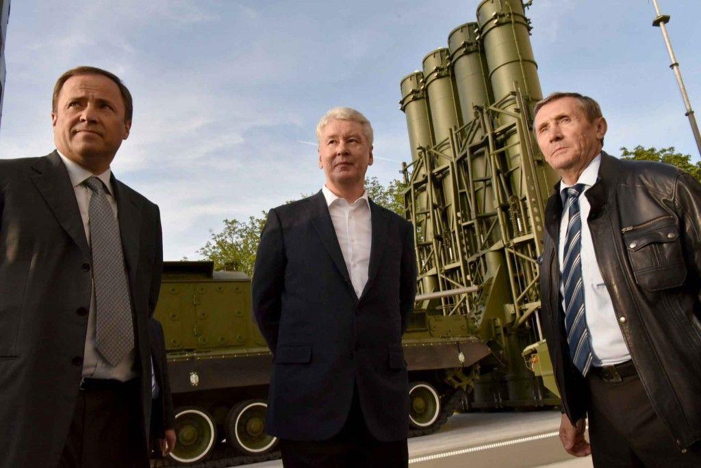 Собянин пригласил москвичей на выставку военной техники на ВДНХ