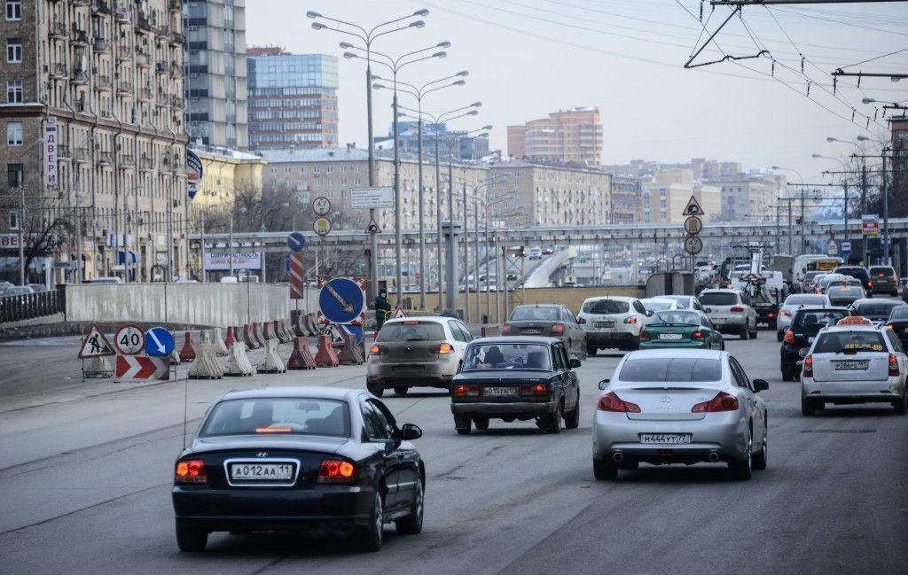 На 19 улицах Москвы введут ограничения на стоянку и остановку машин