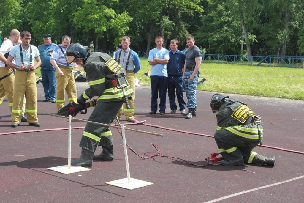 Спасители-добровольцы столицы состязались в пожарно-прикладном спорте