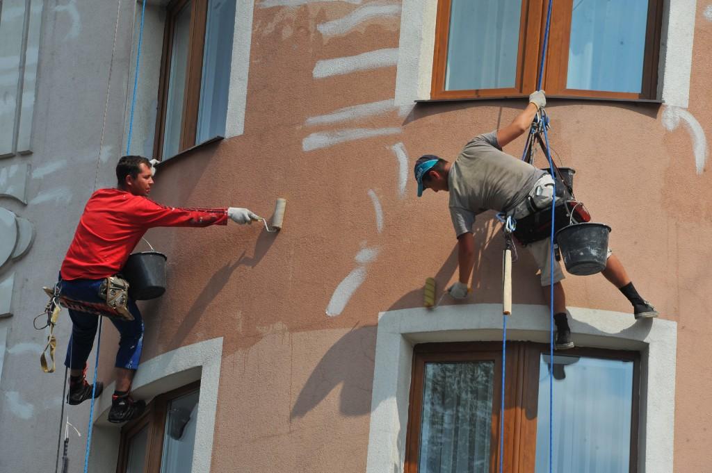 В Москве сформирована база из 177 подрядчиков на проведение капремонта домов
