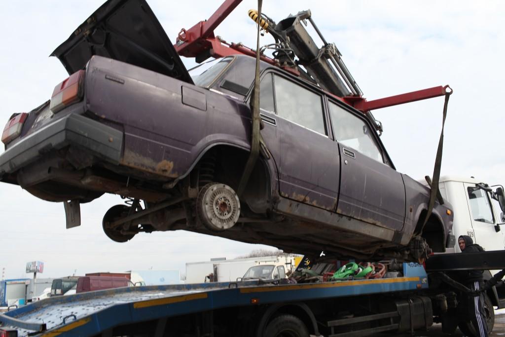 С начала года с московских улиц убрали около пяти тысяч «брошенных автомобилей»