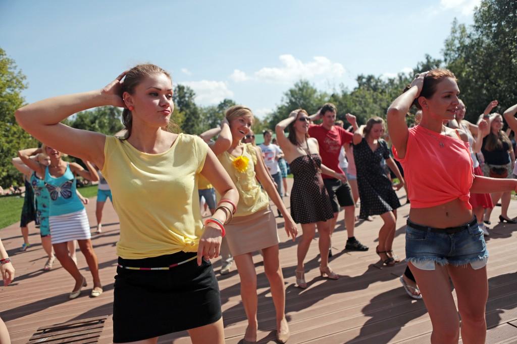 В Щербинке более 30 жителей занимаются «Zumba» фитнесом каждый день