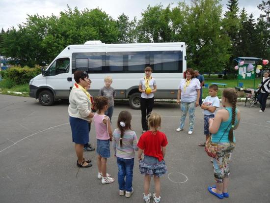 Специалисты «Родительской приемной» провели урок для семей из Михайлово-Ярцевского поселения