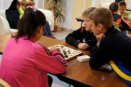 В Рязановском ребята отметили Международный день шахмат за игровой доской