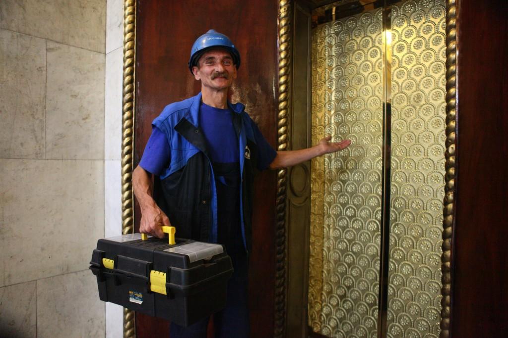 Представители многоквартирных домов проверят замену лифтов по столичной программе капремонта
