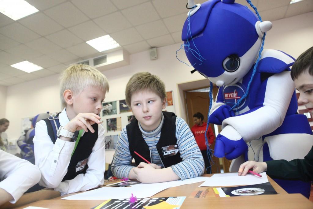 Столичные школьники отличились на Всероссийской робототехнической олимпиаде