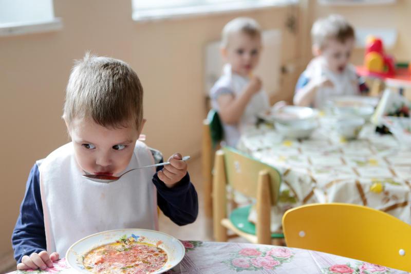Москва закупит бесплатное питание для детей на 4,8 миллиардов рублей