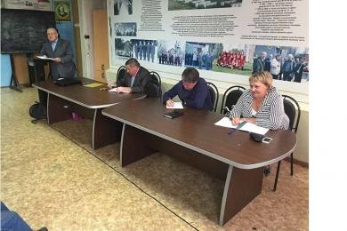 Жители поселения Десеновское обсудили вопросы благоустройства с руководителем администрации
