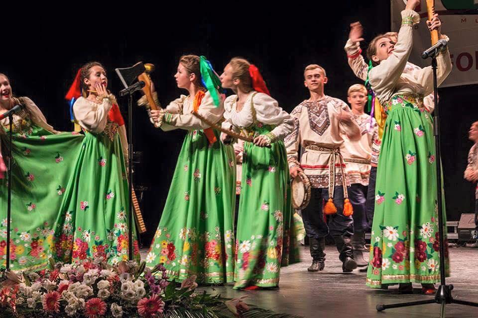 Завершились мировые гастроли фольклорного ансамбля «Кладец»