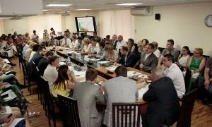 12 августа в Московском отделении Партии состоялся круглый стол на тему перевода жилых помещений в статус нежилых