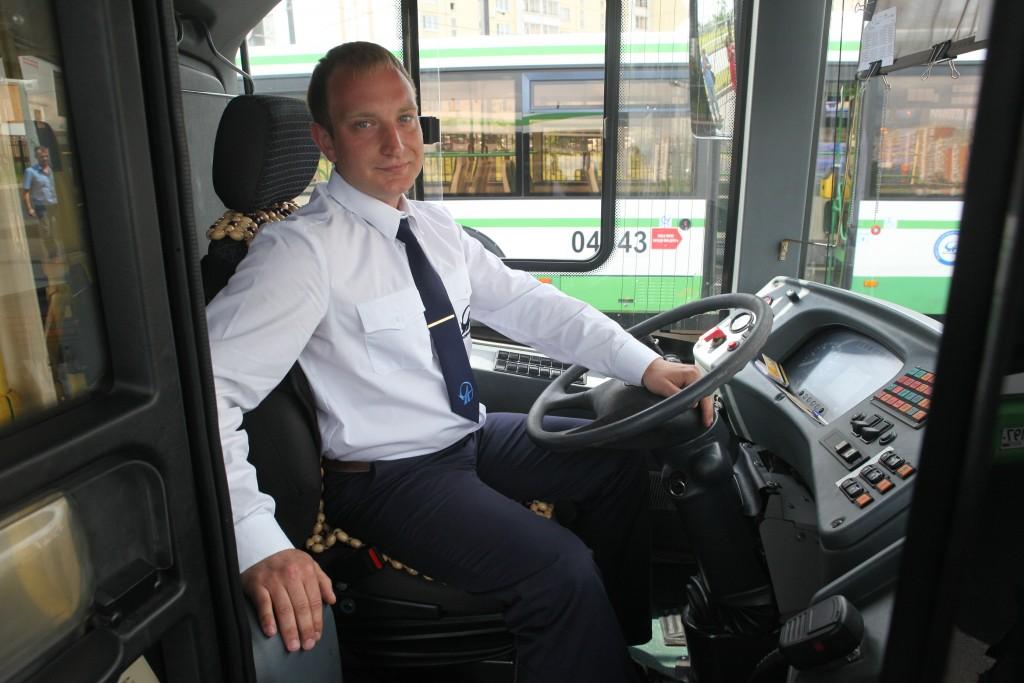 В Троицке водителей легковых автомобилей научат управлять автобусами