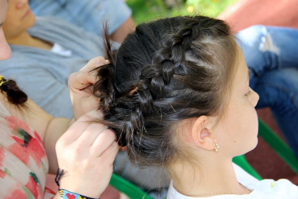 Во Внуковском прошел мастер-класс по плетению кос