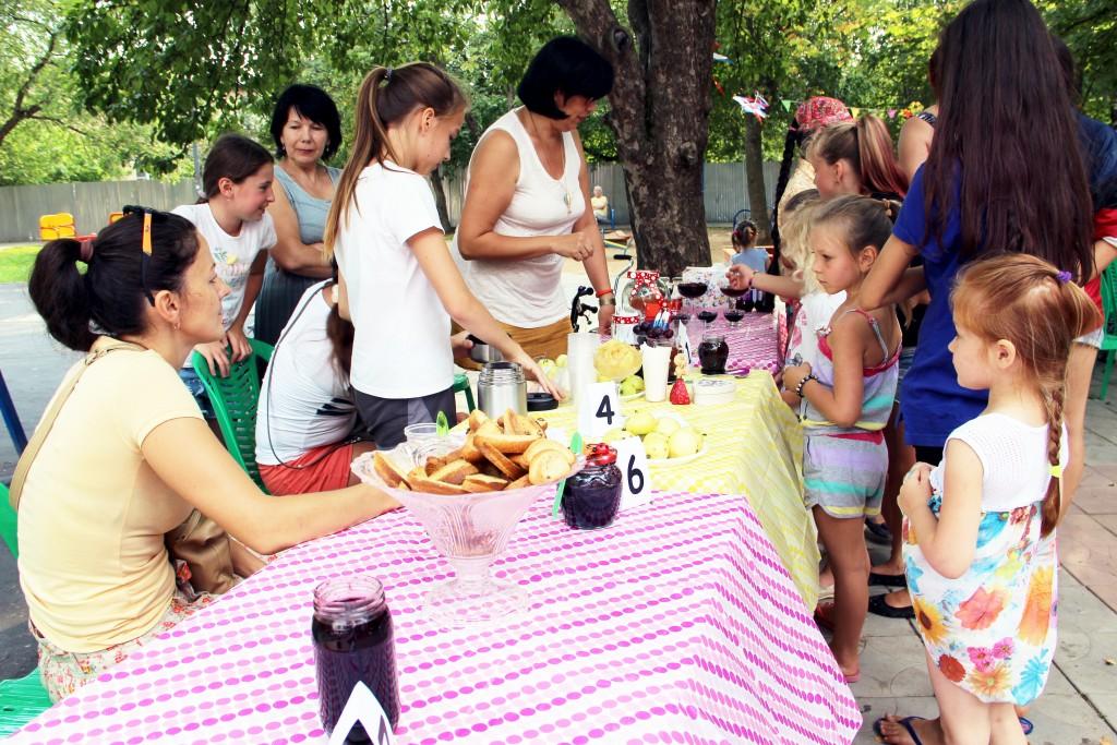 Во Внуковском прошел праздник «Бабушкино варенье»