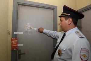 17 августа 2015 года. Щербинка. Участковый Александр Орехов собирает информацию