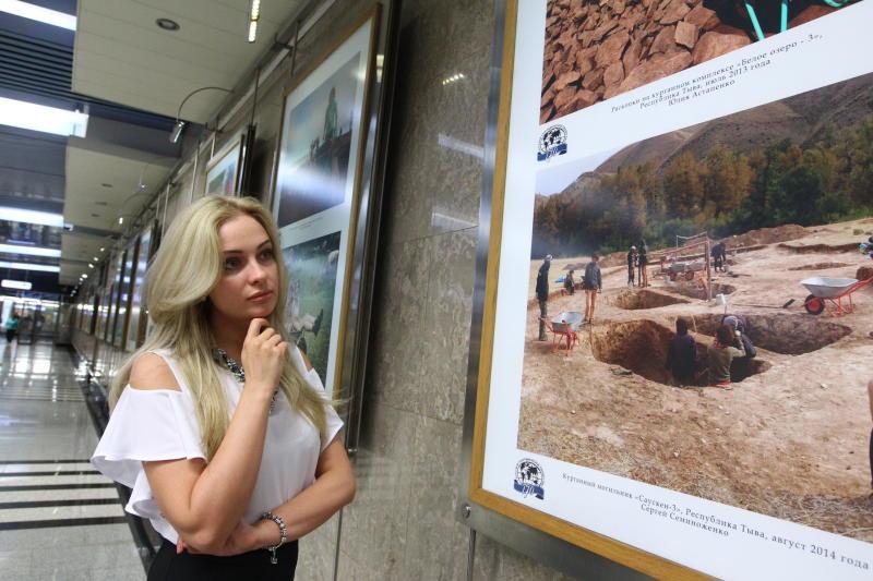 В Красной Пахре открыта выставка работ местной художницы
