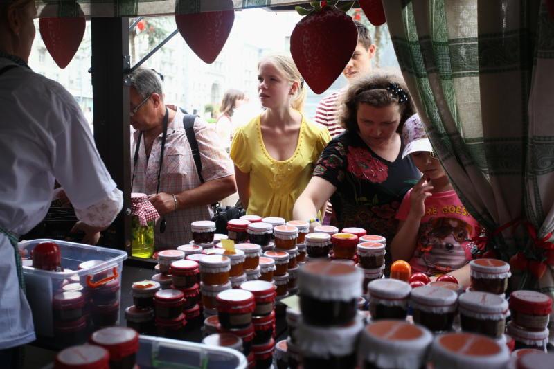 Около 28 тысяч банок варенья продано за четыре дня проведения фестиваля «Московское лето»