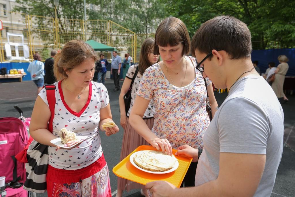 Соседи встретились на Академической площади Троицка