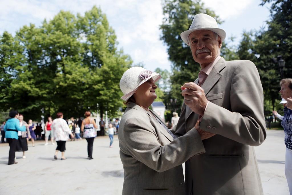 Пожилые жители Щербинки посетили усадьбу Ивановское