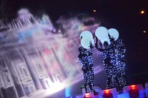 Дата: 11.10.2014, Время: 21:18  ФЕСТИВАЛЬ КРУГ СВЕТА 2014 Открытие фестиваля у Останкинской башни