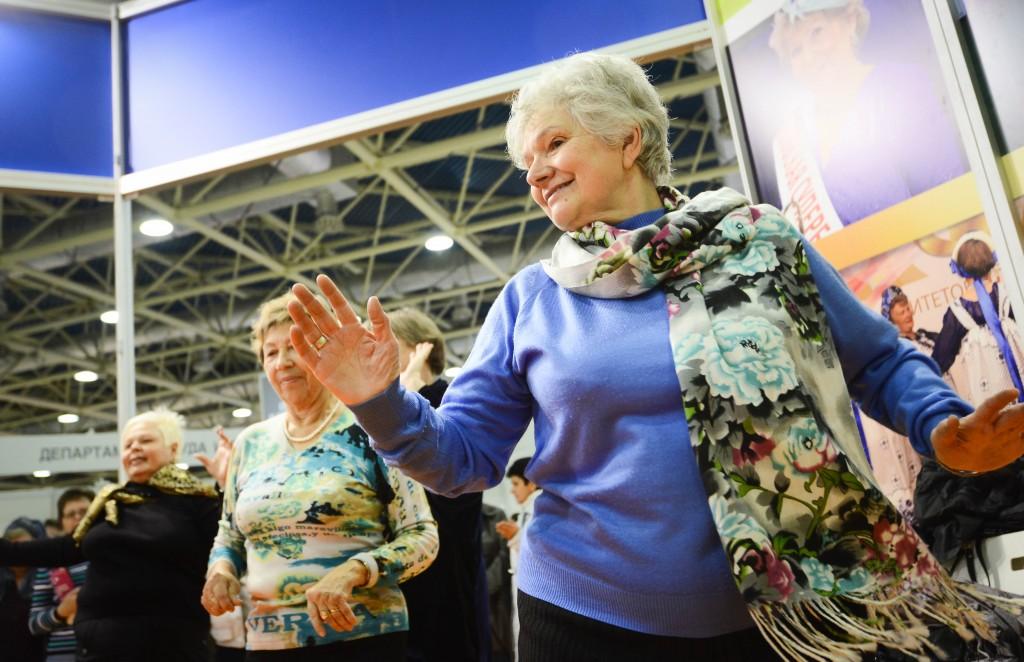 В Ватутинках появится пункт приема вещей для пожилых людей