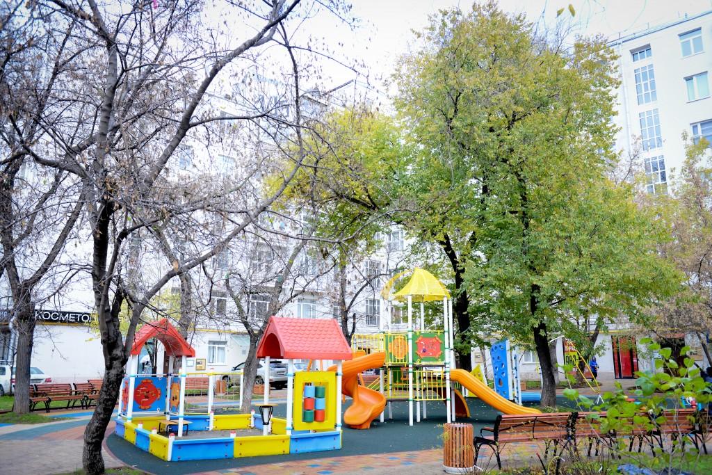 Этой осенью в Москве станет больше зеленых дворов