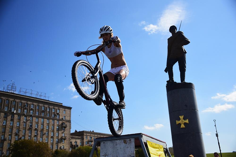 Велопробег «Спорт против ВИЧ» на Университетской набережной