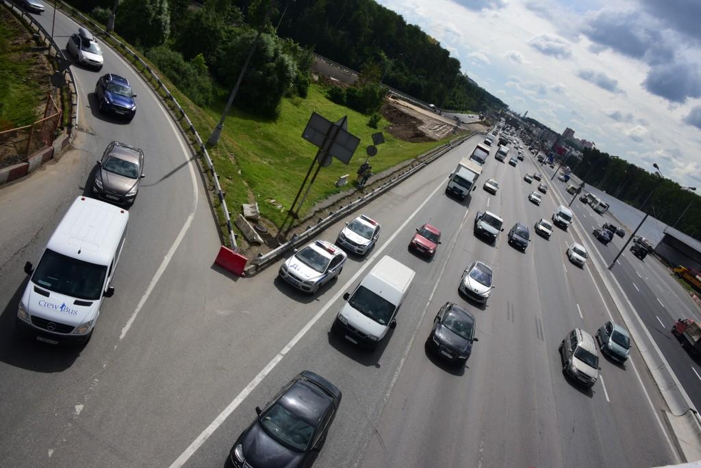 На Центральной кольцевой автодороге водителей предупредят о гололедице и пробках