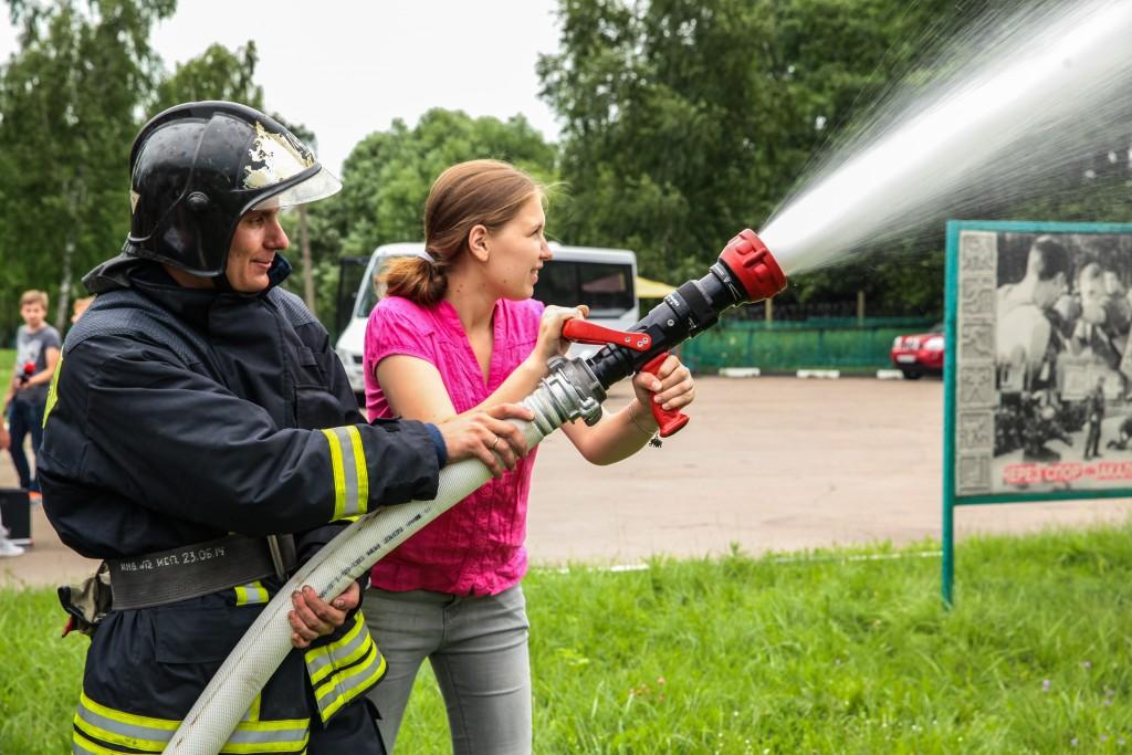 В Краснопахорском проверили пожарные гидранты