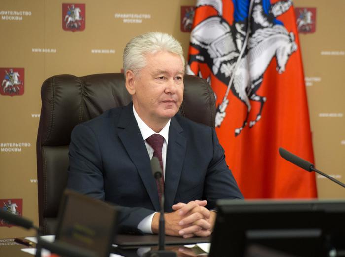 Сергей Собянин поздравил школьников и учителей с Днем знаний